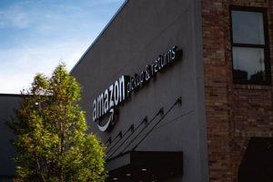 Amazon warehouse staff demand change